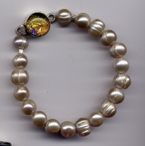 Champagne Freshwater Pearl Bracelet w/ Rainbow Dichroic Clasp